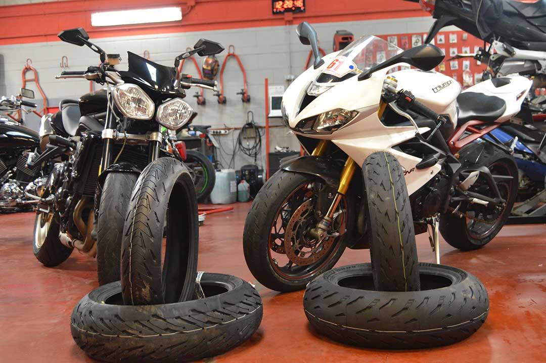 Cambio de neumaticos para moto y scooter