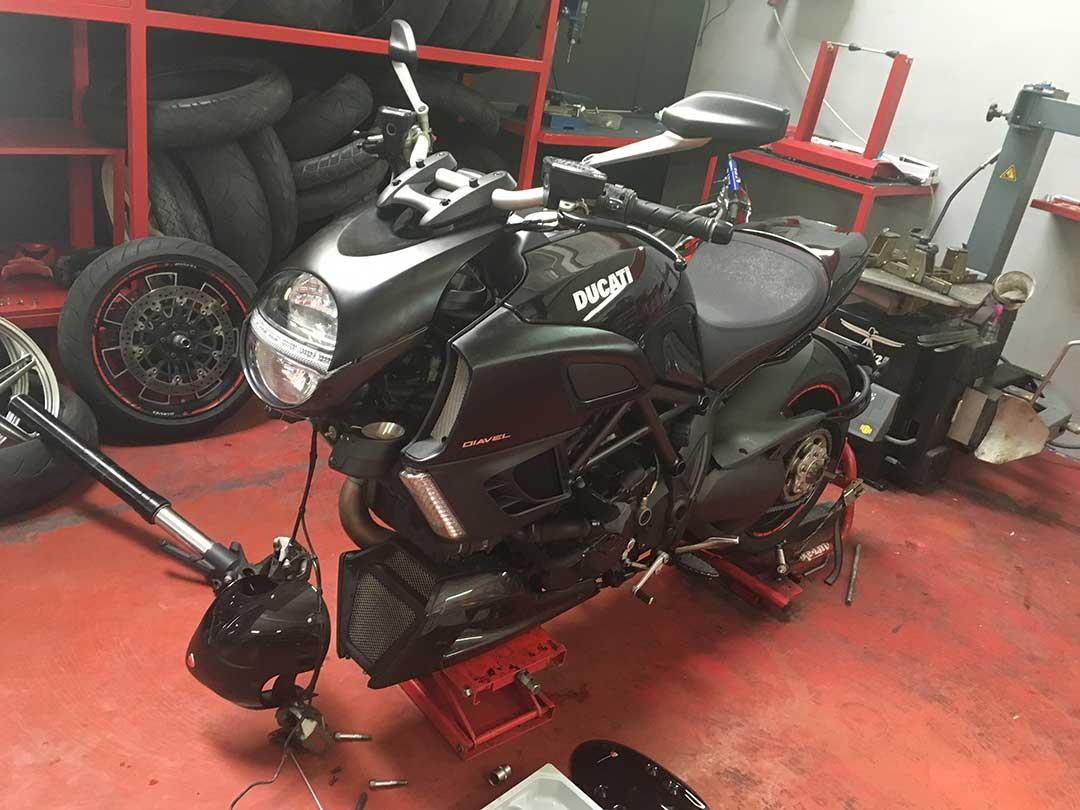 Reparación Horquilla de moto