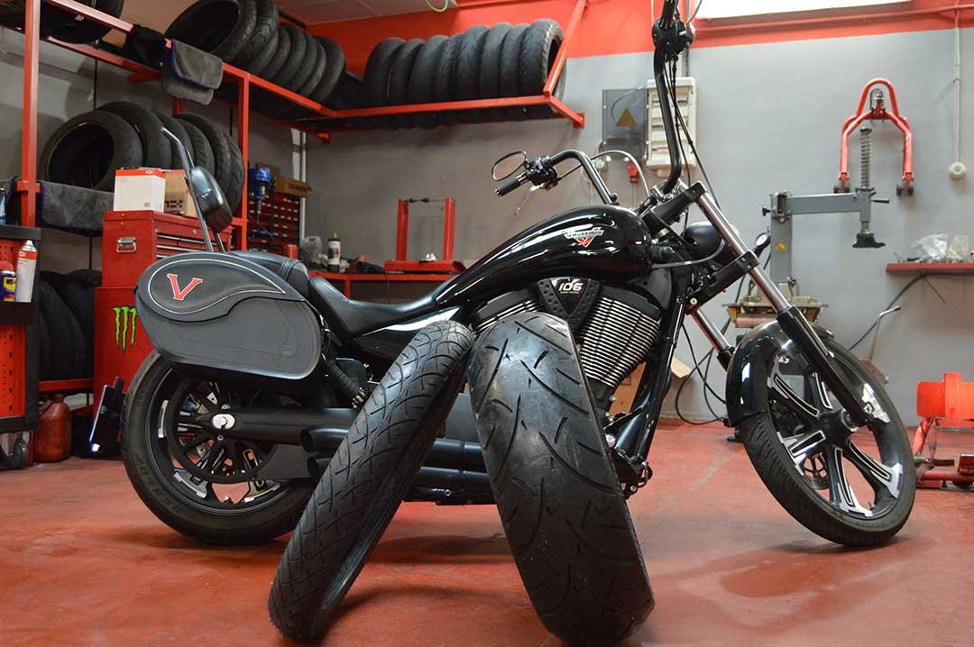 Reparacion de pinchazos en moto y scooter