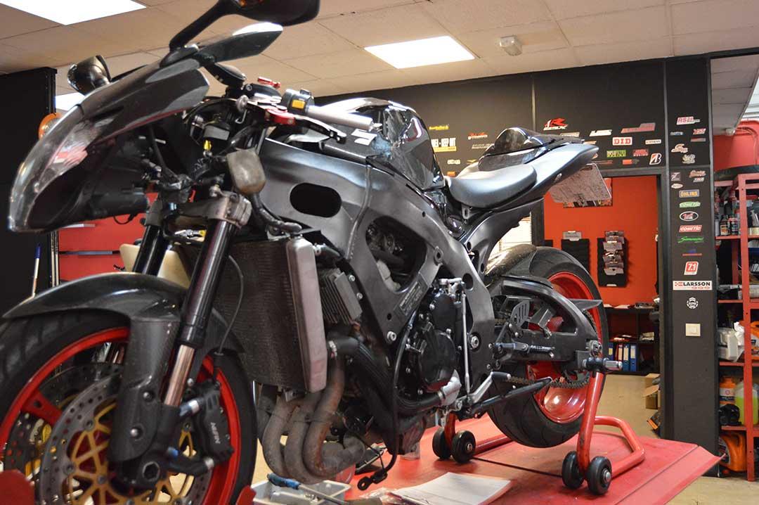 Reparacion de moto suzuki