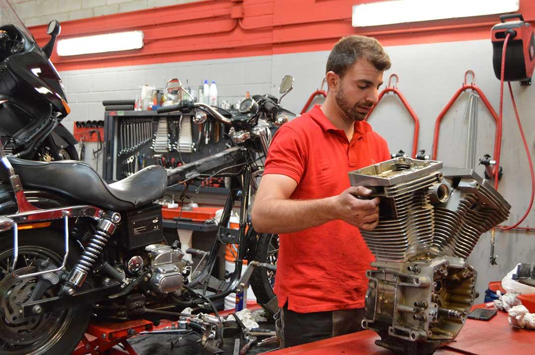 reparación de motor Harley Davidson